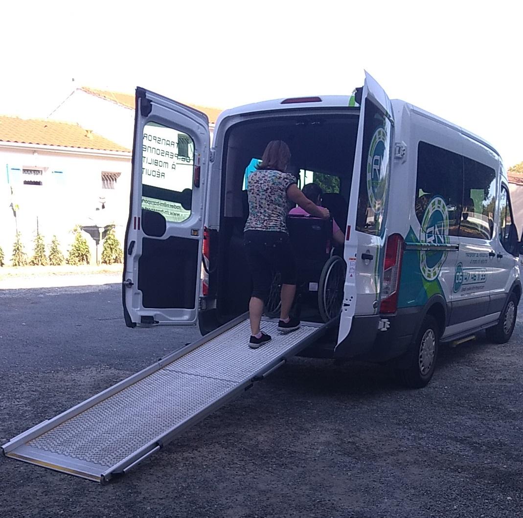 Transport de personnes à mobilité réduite ...